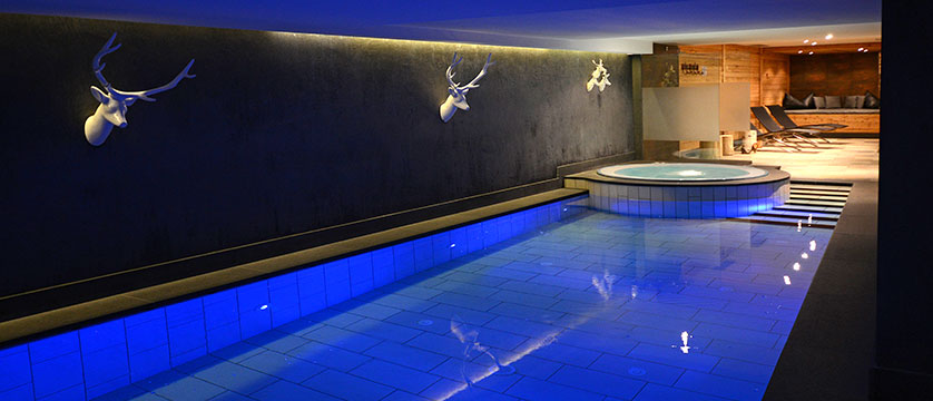 Hotel Somont, Selva, Italy - indoor heated pool.jpg